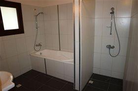 Image No.11-Bungalow de 6 chambres à vendre à Giolou