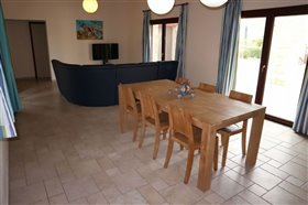 Image No.12-Bungalow de 6 chambres à vendre à Giolou
