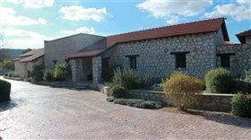 Image No.4-Bungalow de 6 chambres à vendre à Giolou
