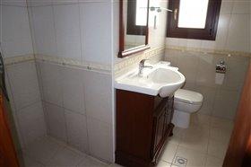 Image No.5-Bungalow de 6 chambres à vendre à Giolou