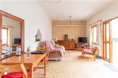 15375-detached-villa-for-sale-in-marathountaf