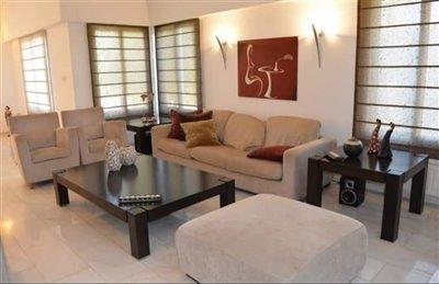 Detached Villa For Sale  in  Anavargos