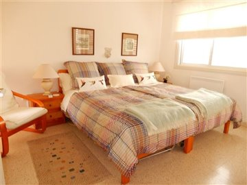 45739-apartment-for-sale-in-peyia-coral-bayfu
