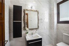 Image No.10-Villa de 5 chambres à vendre à Argaka