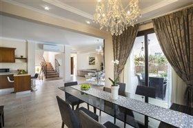 Image No.8-Villa de 5 chambres à vendre à Argaka