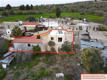 Traditional House For Sale  in  Thrinia