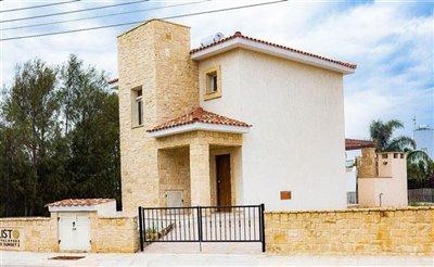 Detached Villa For Sale  in  Pomos