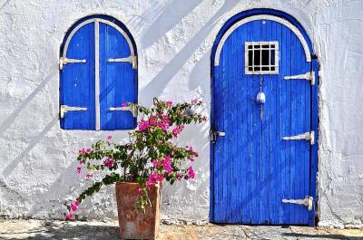 Blue-door-4