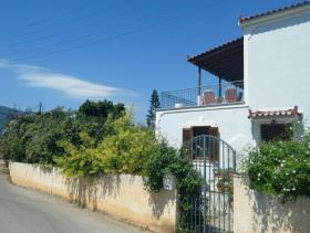 1. 2 Bed Villa / Detached for sale