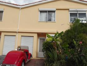 Image No.0-Maison de ville de 2 chambres à vendre à Jolly Harbour