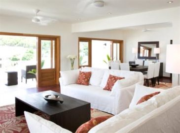 3bed_apt_livingroom-640x360-406x300