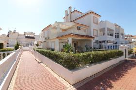 Orihuela Costa, Villa