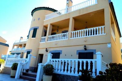 la-mata-villa-for-sale-4640-1