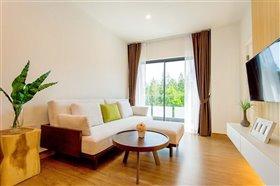 Bangtao, Property