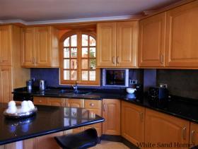 Image No.13-6 Bed Villa / Detached for sale