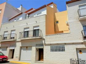 Image No.0-5 Bed Townhouse for sale