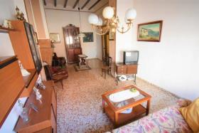 Image No.6-6 Bed Townhouse for sale