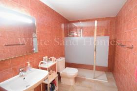 Image No.19-4 Bed Apartment for sale