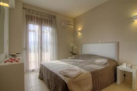 Image No.11-1 Bed Villa for sale