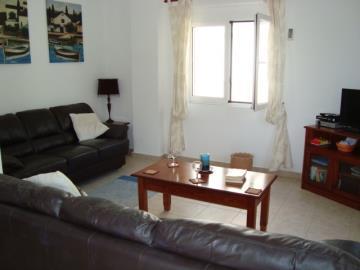 230-Living-room-towards-front-window