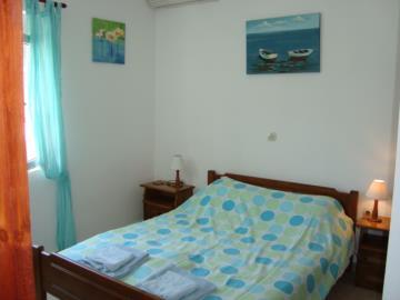 620-Double-bedroom