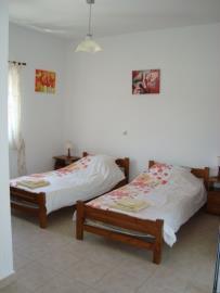 710-Twin-bedroom-1