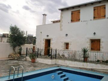 110-KH-1703-house-across-pool