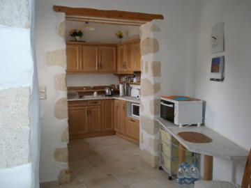 180-KH-1703-kitchen-area