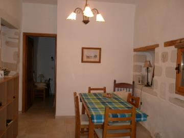 285-KH-1703-dining-area