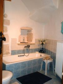 320-KH-1703-Bathroom-gr-floor