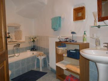 330-KH-1703-ground-floor-bath