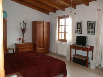540-KH-1703-main-Bedroom