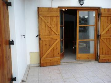 595-KH-1703-Master-bedroom-patio-doors-to-roof-terrace