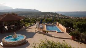 Image No.1-Villa / Détaché de 7 chambres à vendre à Kalyves
