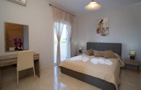 Image No.4-Villa / Détaché de 7 chambres à vendre à Kalyves
