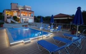 Image No.0-Villa / Détaché de 7 chambres à vendre à Kalyves