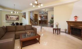 Image No.16-Villa / Détaché de 7 chambres à vendre à Kalyves