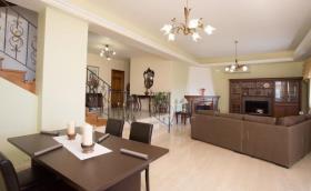 Image No.19-Villa / Détaché de 7 chambres à vendre à Kalyves