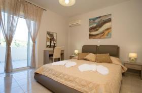 Image No.25-Villa / Détaché de 7 chambres à vendre à Kalyves