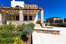 Image No.0-Villa de 4 chambres à vendre à Rethymnon