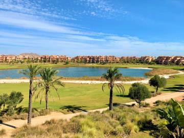 golf-and-lake