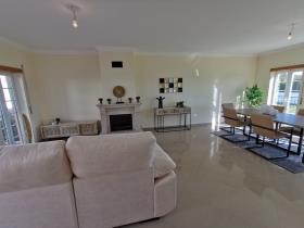 Image No.15-Villa de 4 chambres à vendre à Bombarral