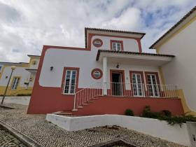 Image No.0-Villa de 4 chambres à vendre à Bombarral