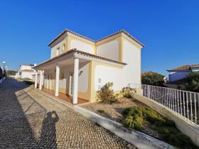 Image No.1-Villa de 4 chambres à vendre à Bombarral