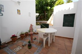 Image No.22-3 Bed Property for sale