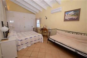 Image No.34-4 Bed Country House for sale