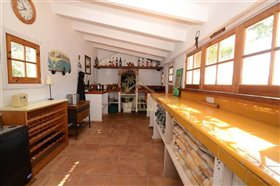 Image No.37-4 Bed Country House for sale