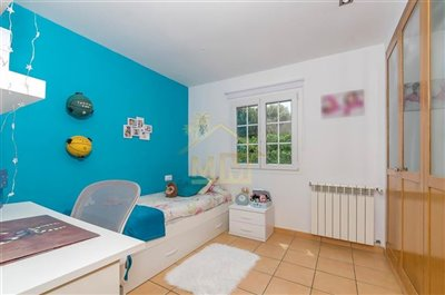 chalet-en-cami-de-rafalet-056