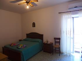 Image No.21-2 Bed Country House for sale