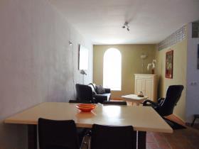 Image No.12-7 Bed Villa / Detached for sale